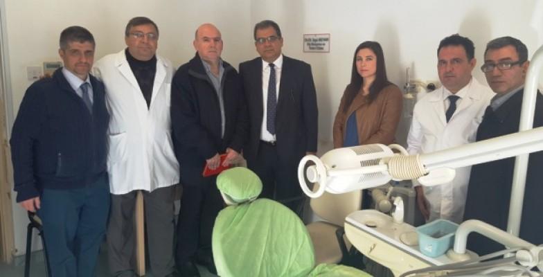 Raşit ve Beyar'ın dişçi üniteleri hastaneye bağışlandı