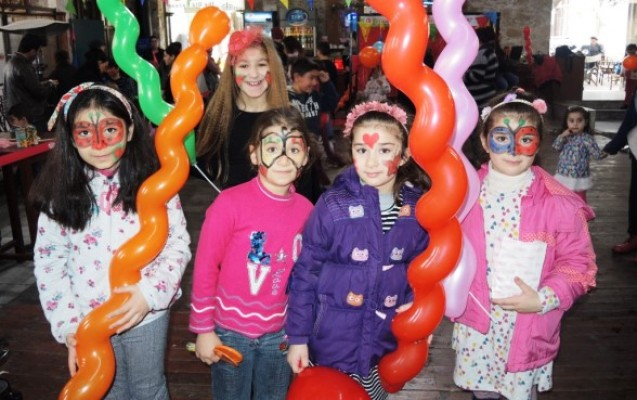 Girne Belediyesi çocukları eğlendirdi