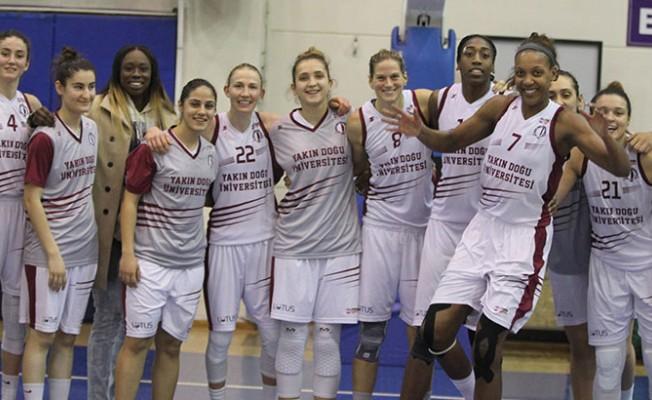Berova Ydü Kadın Basketbol Takımını kutladı
