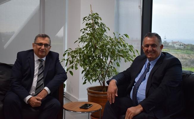 Çavuşoğlu, Uluslararası Final Üniversitesi'ni (UFÜ) ziyaret etti.