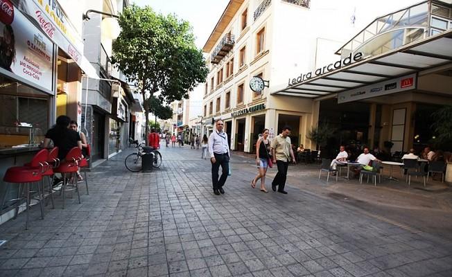 Güney Kıbrıs'ta her 3 kişiden 1'i işsiz