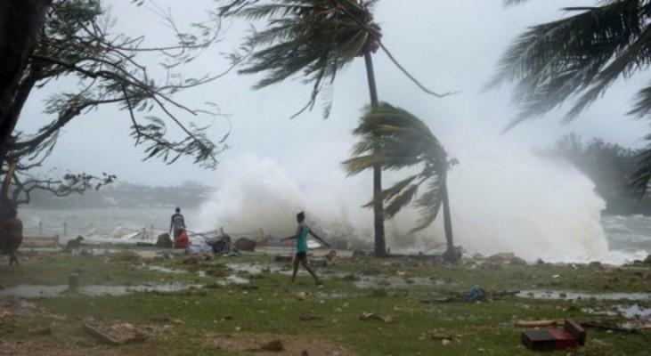 Cook Kasırgası Yeni Zelanda'yı vurdu
