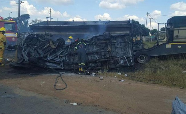 Güney Afrika'da trafik kazasında 20 çocuk yaşamını yitirdi
