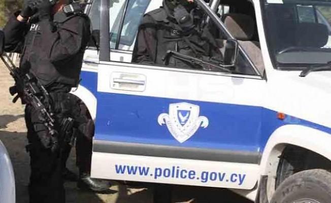 Kiliselerde silahlı polisler görev yapacak