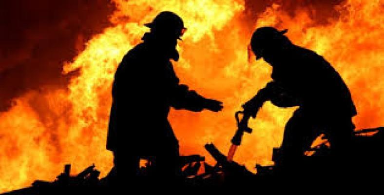 Limasol'da iki kardeş yanarak öldü...