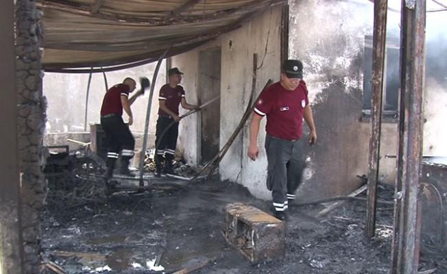 Altun ailesinin evi tamamen yandı...