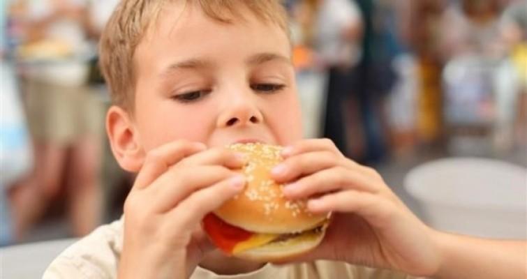 Obezite çocukluk çağında önlenmeli!