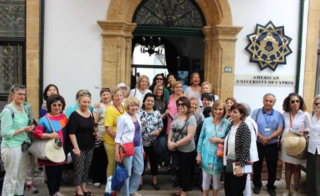 Osmanlı Kütüphanesi'ni ziyaret ettiler...