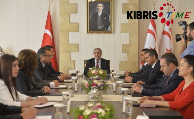 Akıncı Siyasi parti başkanlarıyla biraraya geldi