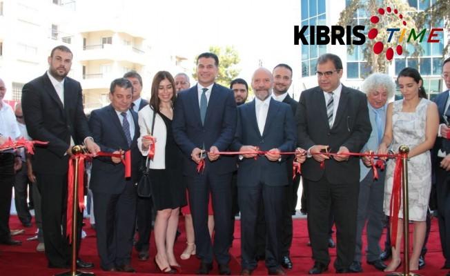 Özgürgün, Near East Bank, Girne Park AVM Şubesi'nin açılışını yaptı