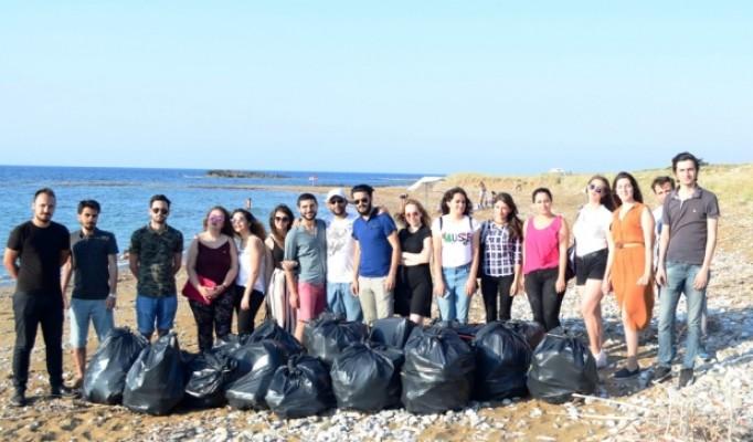 Tatlısu'da sahil temizliği etkinliği yapıldı