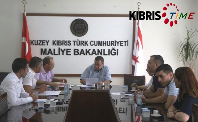 3 sendika, Maliye Bakanı Serdar Denktaş'la görüştü