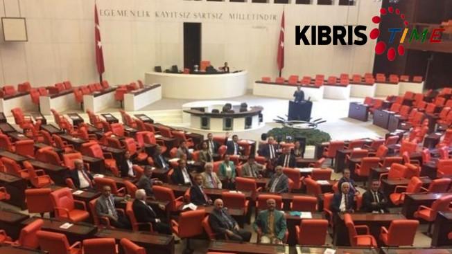 CHP, Meclis'i terk etmeme eylemi yapıyor...