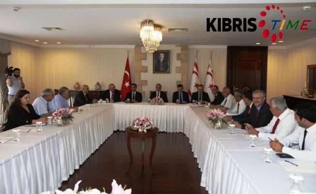 Cumhurbaşkanı belediye başkanlarıyla biraraya geldi