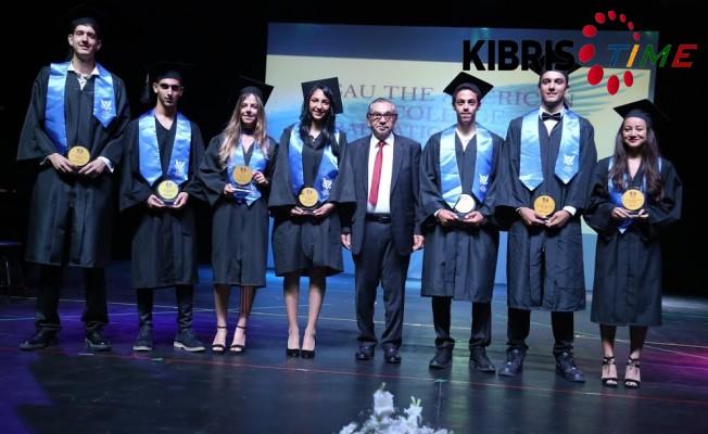 Girne Amerikan Koleji'nde mezuniyet töreni...