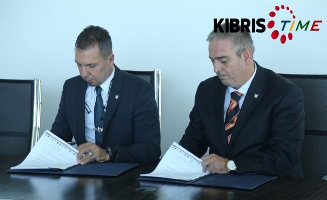 GAÜ Amerikan Koleji İzmir için imzalar atıldı