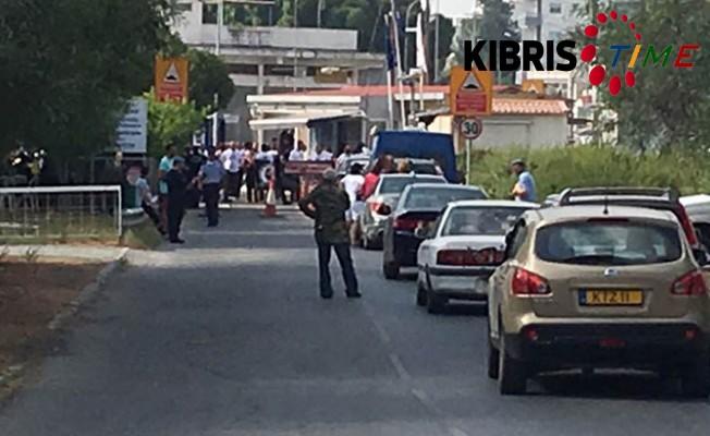 Politis: Rum polisi geçişlerde büyük eziyete yol açıyor
