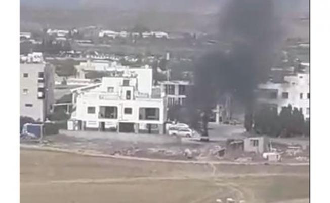 Lefkoşa'da park halindeki araç yandı!!