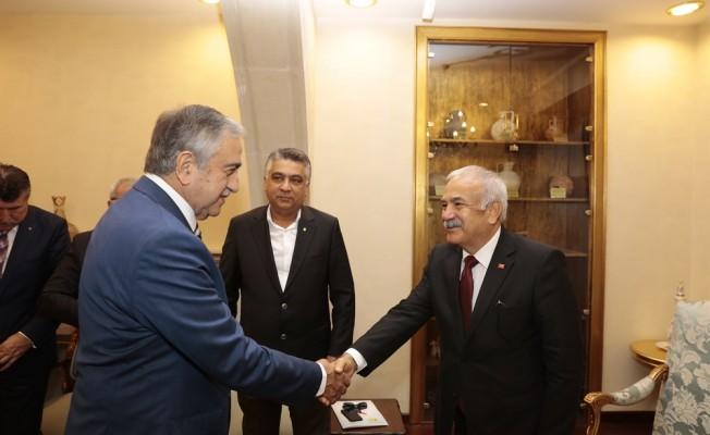 Akıncı Adana Esnaf ve Zanatkarlar Odası ile KTEZO yetkililerini kabul etti