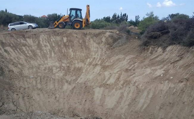 Karaoğlanoğlu'nda gölet temizliği