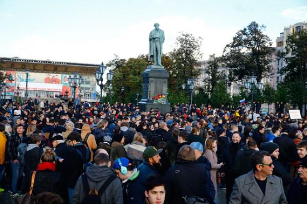 Putin karşıtı gösteri... 80 gözaltı