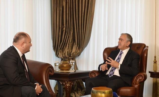Akıncı, Azerbaycan devlet televizyonuna röportaj verdi