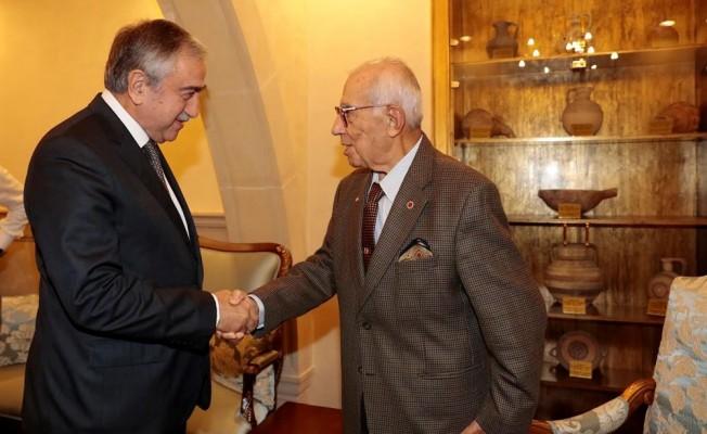 Akıncı, Türkiye Genelkurmay eski Başkanı Karadayı'yı kabul etti