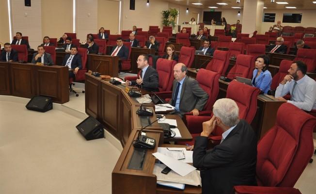 Berova'nın istifası milletvekillerine sunuldu