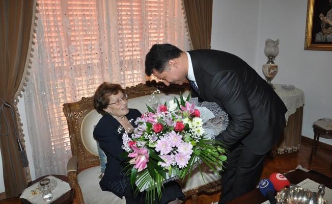 Süheyla Küçük ve Aydın Denktaş'a Mlli Mücadele Madalyası...
