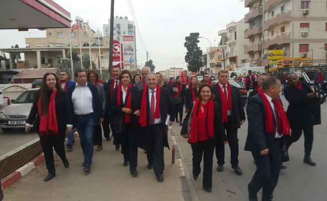 DP adayları G.Mağusa'yı gezdi...