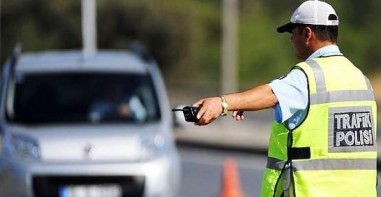 1 haftada 7 bin 63 araç sürücüsü kontrol edildi
