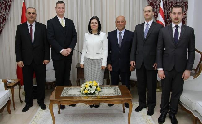 Siber Macaristan heyetini kabul etti