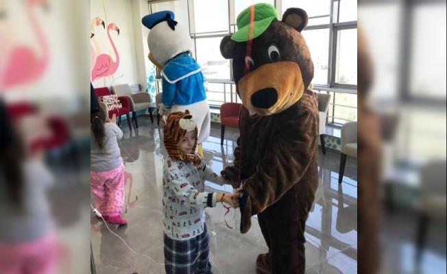 Alevi Kültür Merkezi Çocuk Onkolojisi'ni ziyaret etti