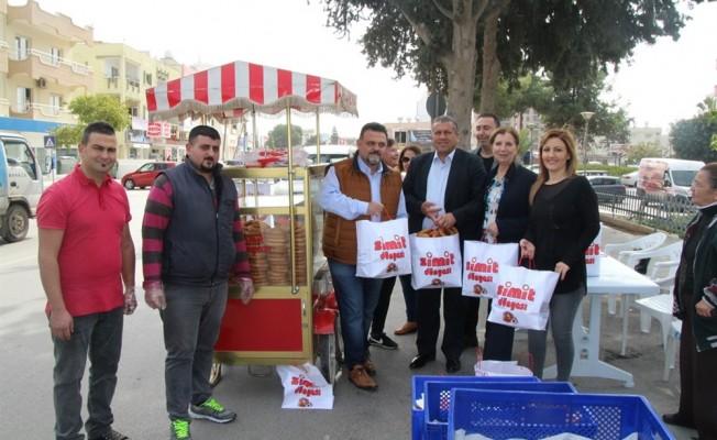 """""""Bir Simit Al"""" kampanyası Gazimağusa'da devam ediyor"""
