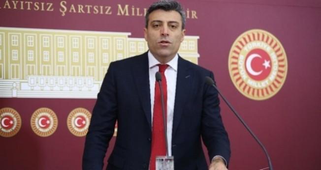 """Öztürk: """"Elin oğlu Akdeniz'de gaz, petrol arıyor"""""""