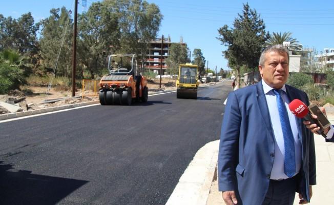 Gazimağusa'da Uluçam yolu asfaltlanıyor