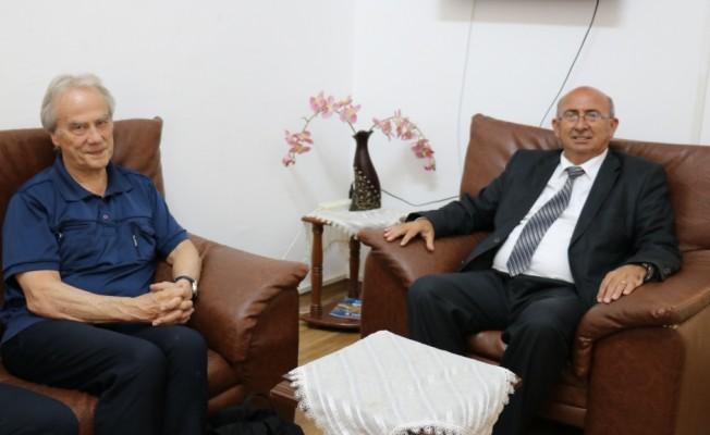 Özyiğit, Uluslararası Barış Bürosu Eş Başkanı'nı kabul etti