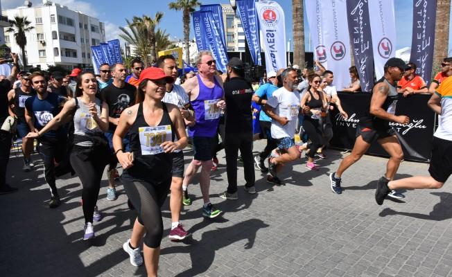 """""""Turkcell 1. Girne Maratonu""""nda dereceye girenler belli oldu."""