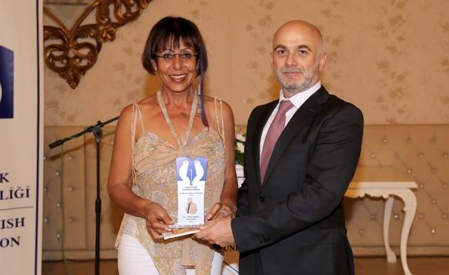 Ali Nesim Edebiyat Ödülleri törenle verildi....
