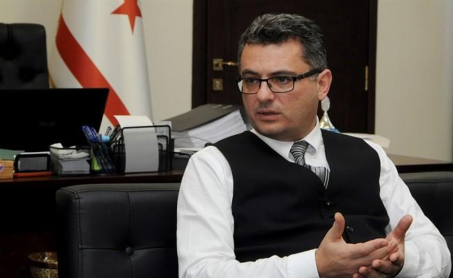 Başbakan gazetecilere yapılan saldırıyı kınadı
