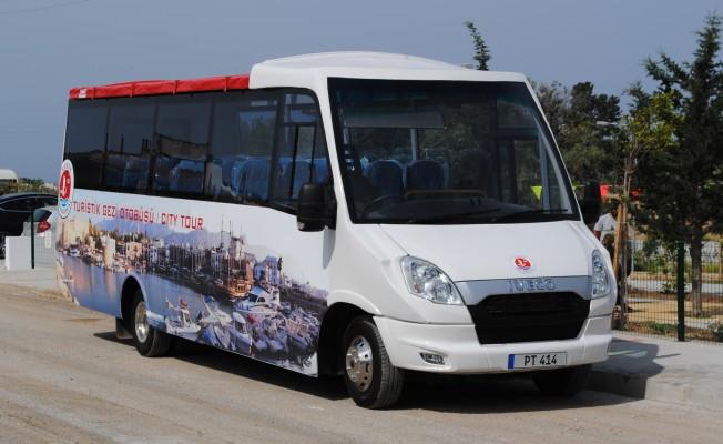 Girne Belediyesi'nden turistlere gezi otobüsü