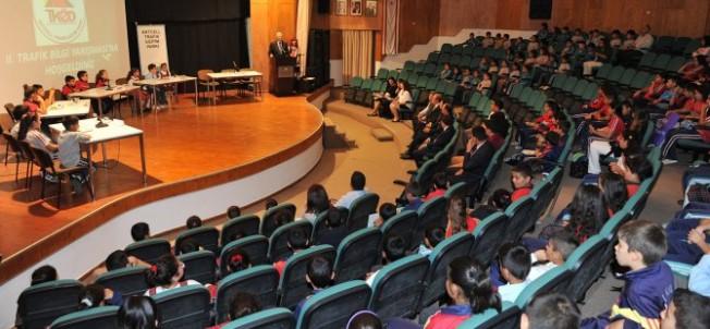 """""""İlkokullar Arası Trafik Bilgi Yarışması"""" yapıldı"""