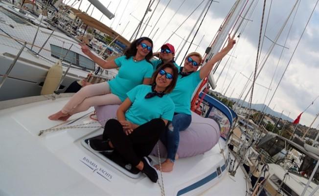 """Kadın yelkenciler, """"Doğu Akdeniz - Kıbrıs Barış Seyri"""" için yola çıktı."""