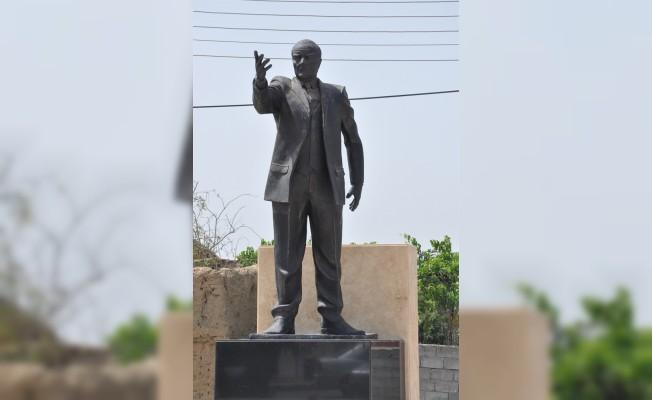 Atatürk Büstü yenilendi