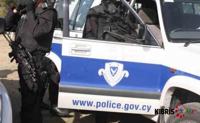 Rum polisi yanlış kişileri tutuklamış!