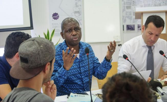 Gazetecilere ve akademisyenlere yönelik atölye çalışması ara bölgede başladı