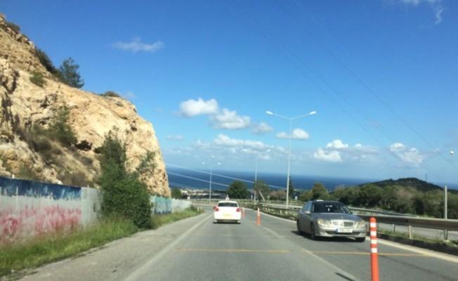 Lefkoşa-Girne yolu tek şeride düşürüldü