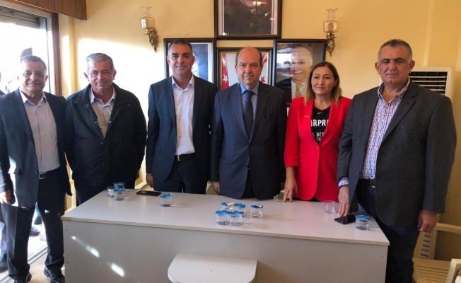 Tatar, UBP İskele İlçe Başkanlığı'nı ziyaret etti