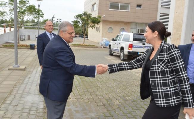 Baybars, DAÜ Rektörü Osam'ı ziyaret etti