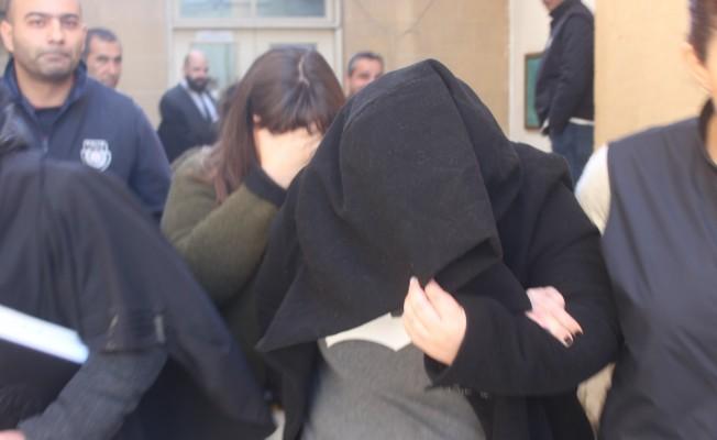 Hırsızlık zanlısı iki kız kardeş 4 gün tutuklu kalacak